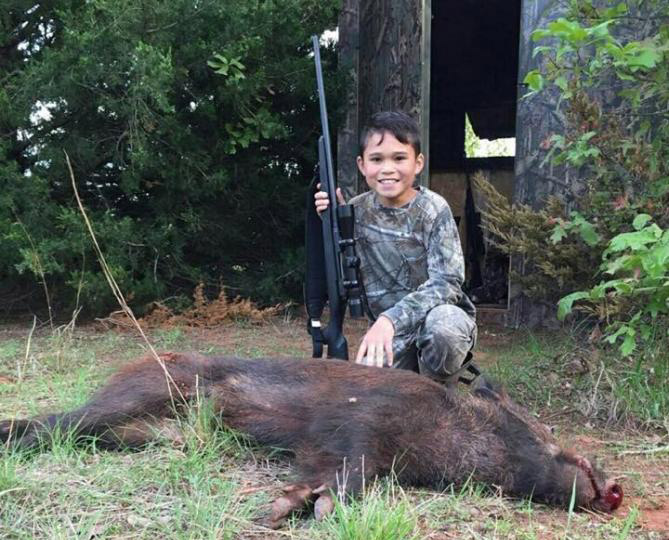 hog hunting, hog hunting with kids, hunting with children, kids in the outdoors, hog roller