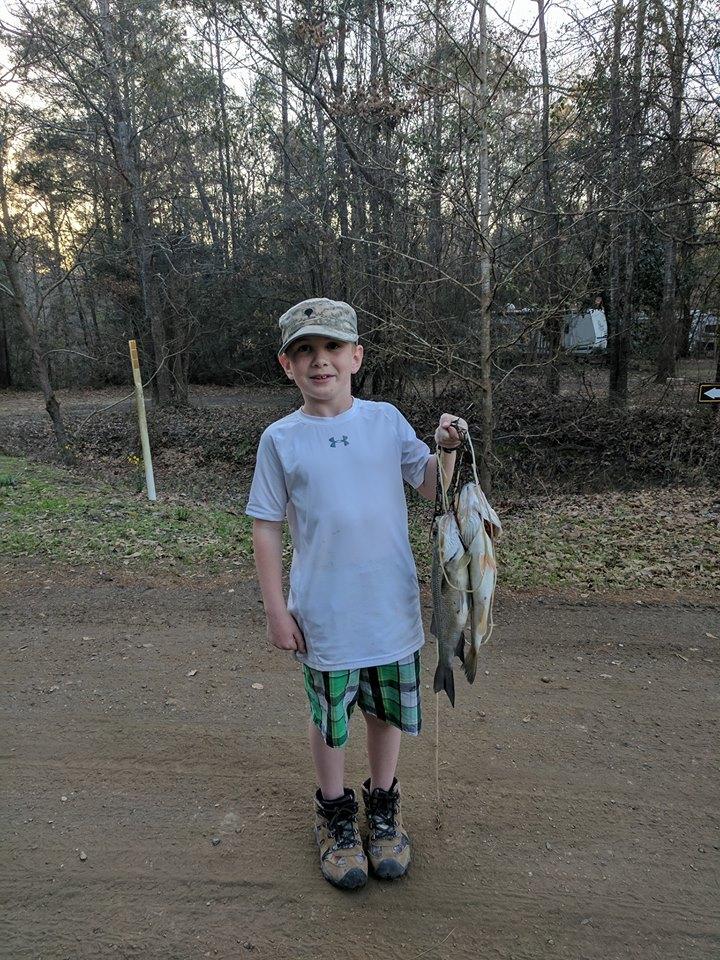 stocked fishing pond Sam Rayburn, fishing pond Jasper, fish camp Lake Sam Rayburn,