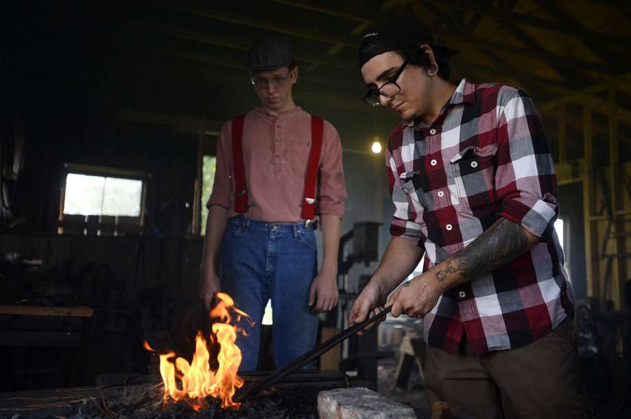 blacksmith class Beaumont, knife making SETX, Golden Triangle family activities,