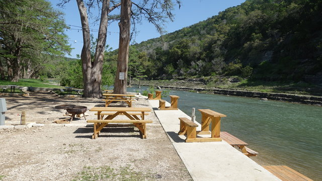 New Braunfels Parks, tubing Comal River, activities San Marcos TX,